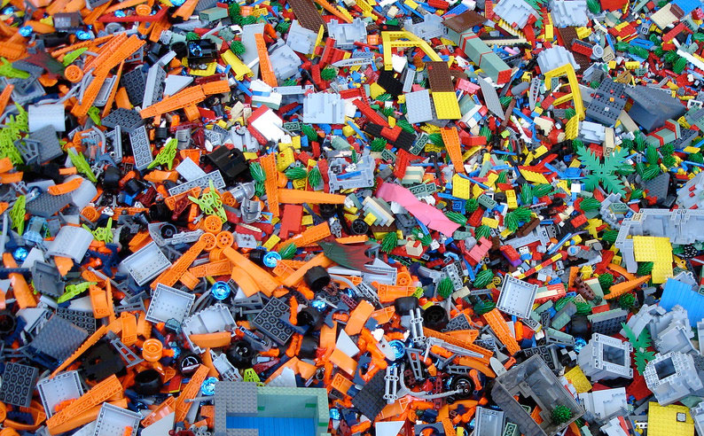 Diving into a Large LEGO Lot