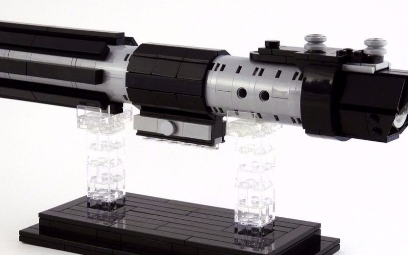 LEGO lightsabers – Incredible detail