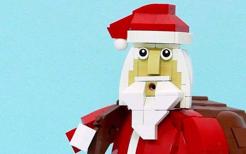 LEGO Santa Claus – Every house needs this!