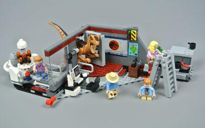 LEGO Review: Jurassic Park Velociraptor Chase 75392